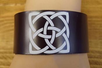 """Leren armband bruin  """"  Keltische knoop  """""""