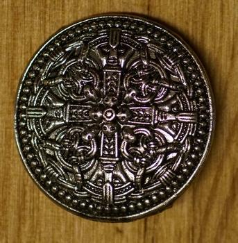 """Broche  """" 4 Keltische knoop + dolken """""""