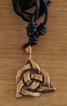 "Ketting  "" Bronzen Triskel """