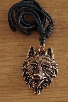 """Ketting  """" Bronzen keltische wolvenkop """""""