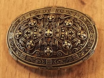 """Broche """" Keltische sierwerk met klaverblad """"  koperkleurig"""