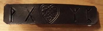 """Leren haarclip  """" Keltische hart + runentekens  """" zwart"""