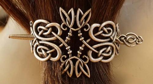 """Haarspeld met haarstokje  """" celtic symbol """"  nikkel kleurig"""