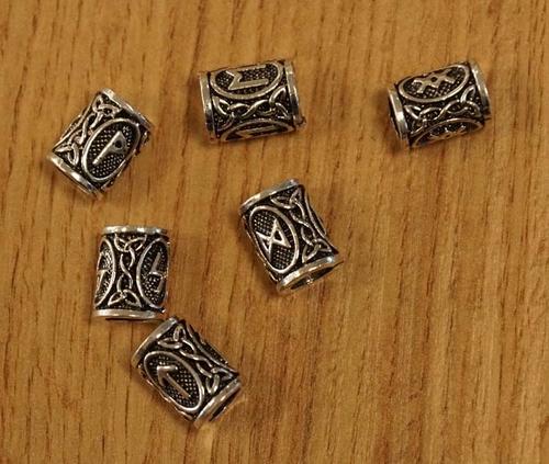 """Baardkralen  """" Keltische knopen met runnentekens """" 6 stuks"""