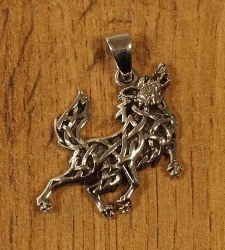 """Zilveren hanger  """" Huilende keltische wolf """""""