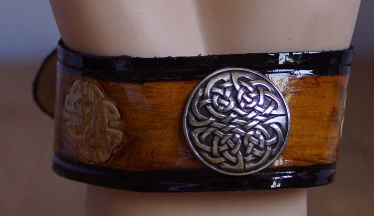 "Armband  "" Keltische knopen ""  Tan / zwart"