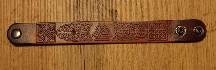 "Armband  "" Keltische symbolen ""  bruin"
