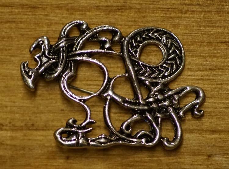 """Broche  """" Celtic dogs """"   zilverkleurig"""