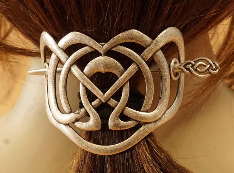 "Haarspeld met haarstokje  "" Celtic knot ""  nikkelkleurig"