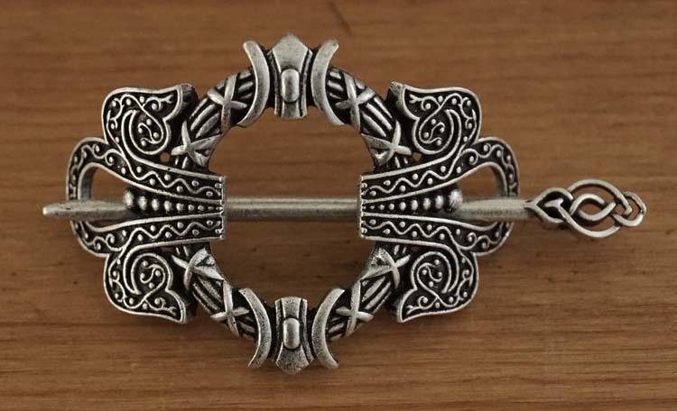 """Haarspeld met haarstokje  """" Keltische teken """"  nikkelkleurig"""