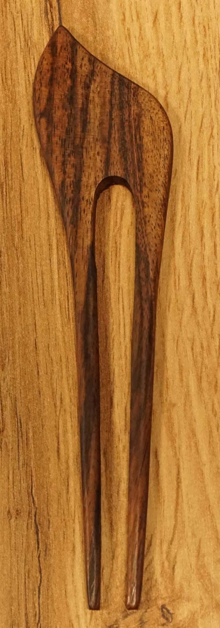 "Haarstokje   "" Sierwerk "" bruin"