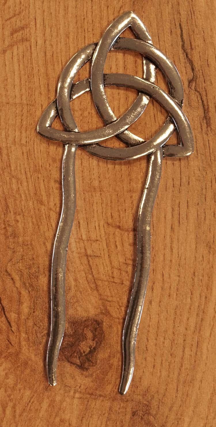 """Haarstokje voor knot """" Keltische knoop """"   nikkelkleurig"""