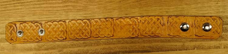 """Leren armband   """" Keltisch teken """"  Beige"""
