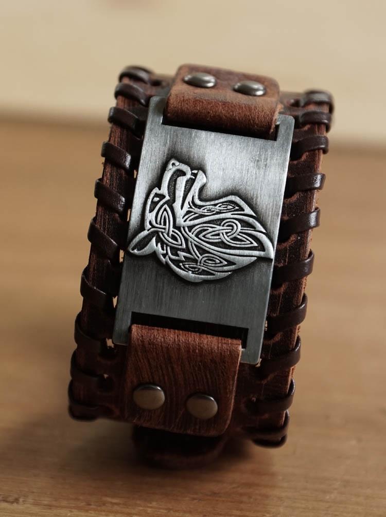 "Leren bruine armband  "" Keltische wolf """