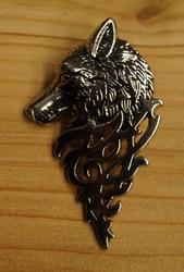 """Broche  """" Keltische wolf """"  Zilverkleurig  UITVERKOCHT"""